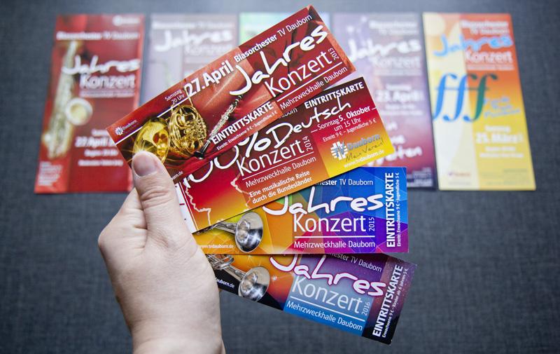 Handliches Format für die Eintrittskarten.